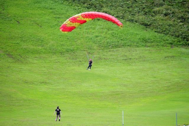 北海道でパラグライダーを体験